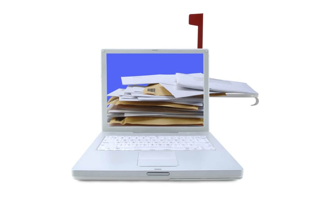 Laptop receiving email